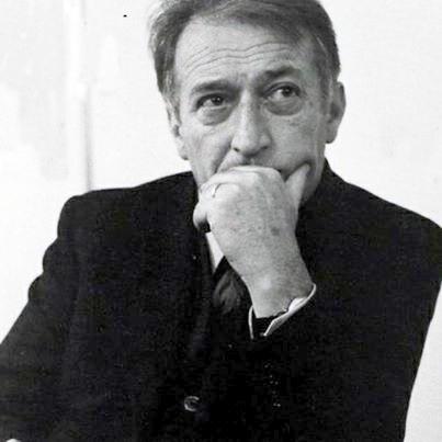 Un'introduzione all'arte di scrivere storie: Grammatica della fantasia di Gianni Rodari.
