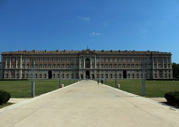 The-Royal-Palace-of-Caserta.-Photo-Credit-640x427